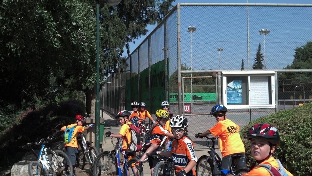 חוג רכיבת אופניים   (1 תמונות)